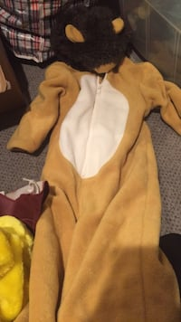 Brand new size 2 very warm lion costume from baby gap. Vaughan, L4J 5L7