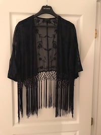 Top Shop - Lace Top with fringe, one size. New. Paid 89$ Montréal, H1J