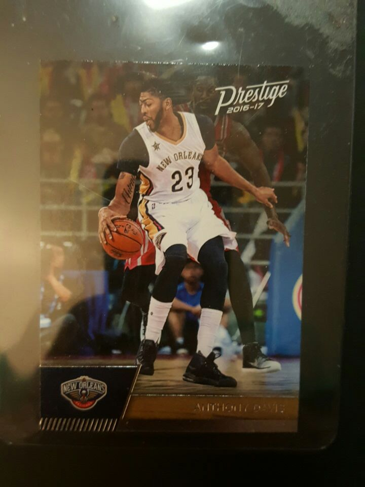 Anthony Davis collectible card
