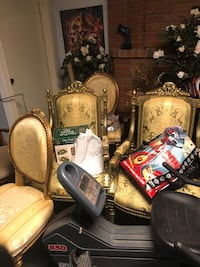 4 Gold Chairs and 1 Gold Couch NEED GONE PRICE IS REALLY NEGOTIABLE Markham, L3S 2V6