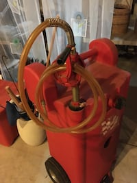 Gasoline fuel container and pump 72 km