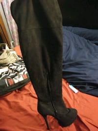 Charlotte russe boots size 6
