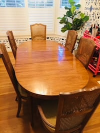 Beautiful Antique Dining Room Table and Chair Set WASHINGTON