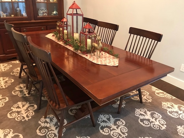 Wooden Dining Table With 6 Chairs And Two Leaf Plus Protective Matts Extends To Seat 8 Usado En Venta Farmers Branch Letgo