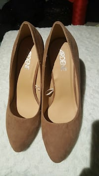pair of brown Ardene suede pointed-toe pumps Surrey, V3T 1S2