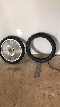 yz 85 front rim and extra brand new tires Glen Burnie, 21060