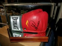 George Foreman signed & authenticated boxing glove  Toronto, M1L 2T3