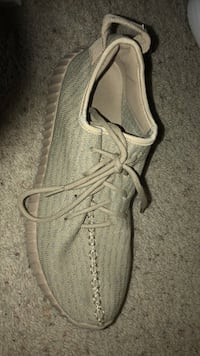pair of gray Adidas Yeezy Boost 350 Lincoln, 68512