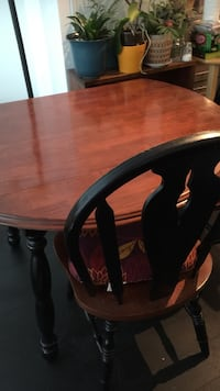 round brown wooden table with 2  chairs dining set 40x40