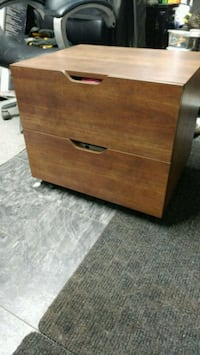 brown wooden 2-drawer chest Springfield, N0L 2J0