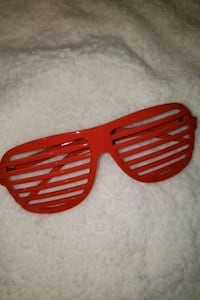 Red Glasses ???? Catonsville, 21228