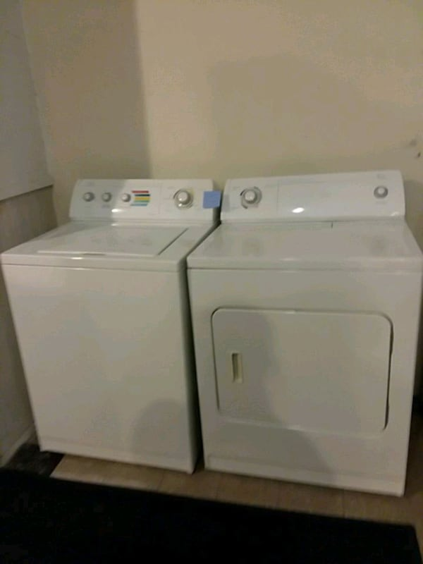 washer and dryer set excellent condition 4months warranty  defa5605-c2ff-4afa-a67f-7d8d546bfc34