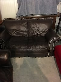 Moving Sale! Leather Love Seat in DC Washington, 20002