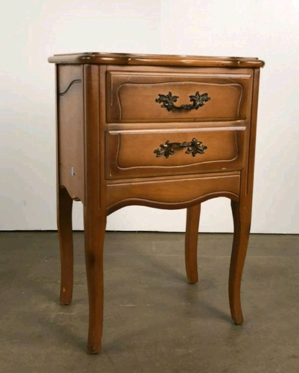 French provencial night stand, end table