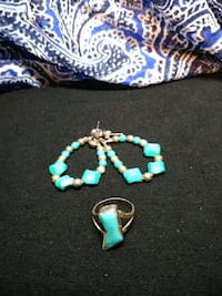 Turquoise ring w/ matching earrings