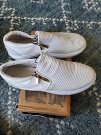 Brand new still in box, EUR size 40  which is about 11 US mens or 9.5