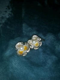 pair of silver & yellow earrings Corpus Christi, 78415