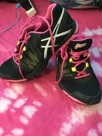 ASICS ladies cross trainers runners Winnipeg, R3J 1M1
