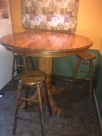 Pub table and 4 stools Park Forest, 60466
