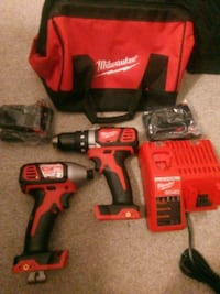 Milwaukee 18v drill and impact driver set Langley