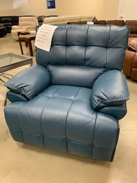 Motion electric power reclining chair real leather with usb in sides new clearance sale o down options Jacksonville, 32216