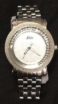 round silver-colored analog watch with link bracelet New York, 10312