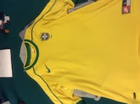 size large yellow and green Nike crew-neck t-shirt Cambridge, N3C 3R8