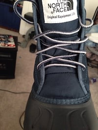 The North Face Women's boots (Size 6) Toronto, M6S 2S1