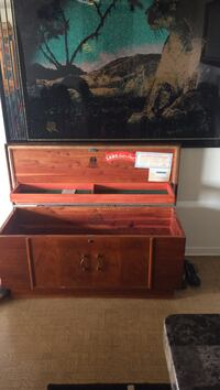 brown wooden chest box Hamilton, L8K 6C2