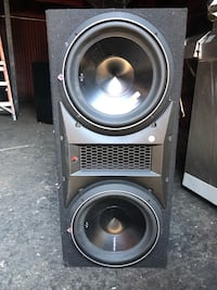 "2) 12"" Rockford fosgate subs with 2000 watt lightning audio amplifier. Very loud! New York, 11423"