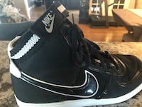 black-and-white Nike basketball shoes Los Angeles, 91342