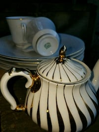 AUTHENTIC CHINESE GOLD & PEARL WHITE MATCHING SET Fairfax, 22032