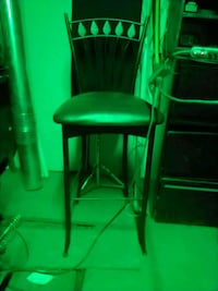 green leather padded bar seat Hamilton, L8L 4J5