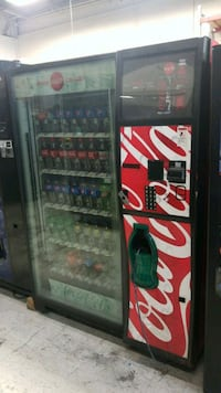 Coke vending machine fully working  30 km