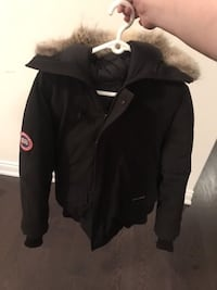 Black zip-up jacket Size SMALL Vaughan, L4H