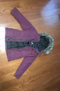Little girls north face winter jacket size 5* sold pending pick up* Mississauga, L4T 3A9