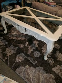 white wooden framed glass top coffee table Oshawa, L1J