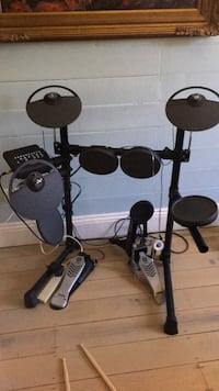black and gray electric drum set null, 2481