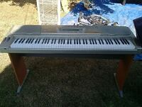 gray electronic keyboard with stand Anacortes, 98221