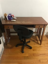 Wooden desk and office chair Queens County