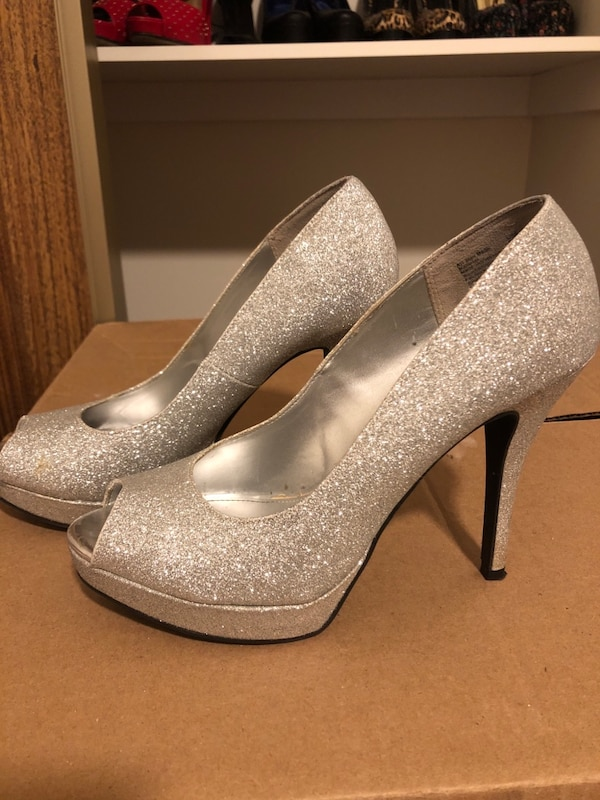 978c0a6edd4 Used Heels for sale in Ottawa - letgo