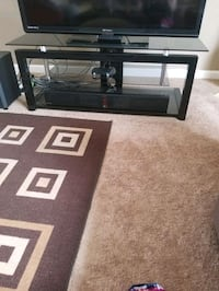 TV stand New Orleans, 70131