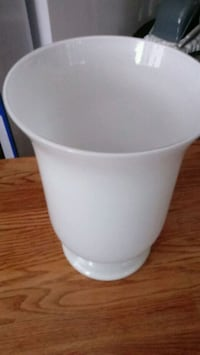 Beautiful White Vase for Your Home Redondo Beach, 90277