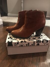 Brand new! Brown ankle boots Calgary, T2M 4H7