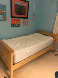 Twin bed with mattress Abingdon, 21009