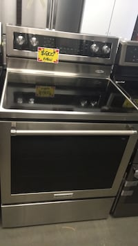 New KitchenAid Glasstop Electric Range (scratched/dented)