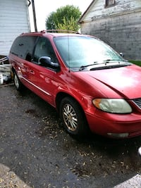 02 Chrysler town and country  Rudolph, 43462
