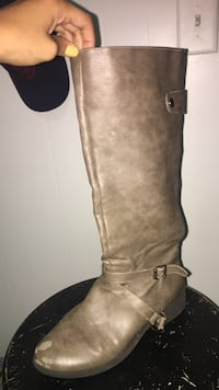 pair of brown leather knee-high boots Hull, 30646