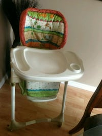 baby's white and green high chair Kitchener, N2B 3V7