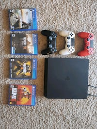 Ps4 w/ 3 controllers and 4 games everything works  Chandler, 85225